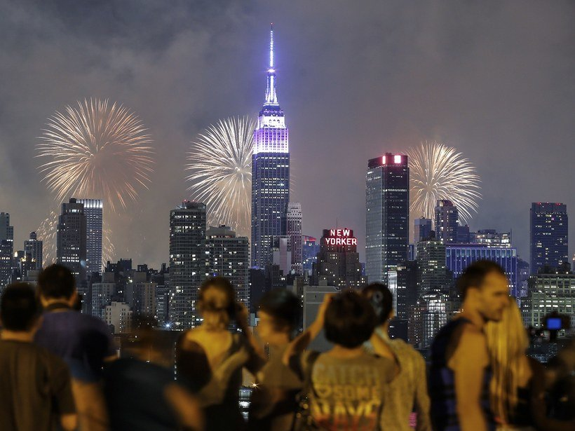 9-Around 15,000 Fireworks Displays Will Take Place on this Day